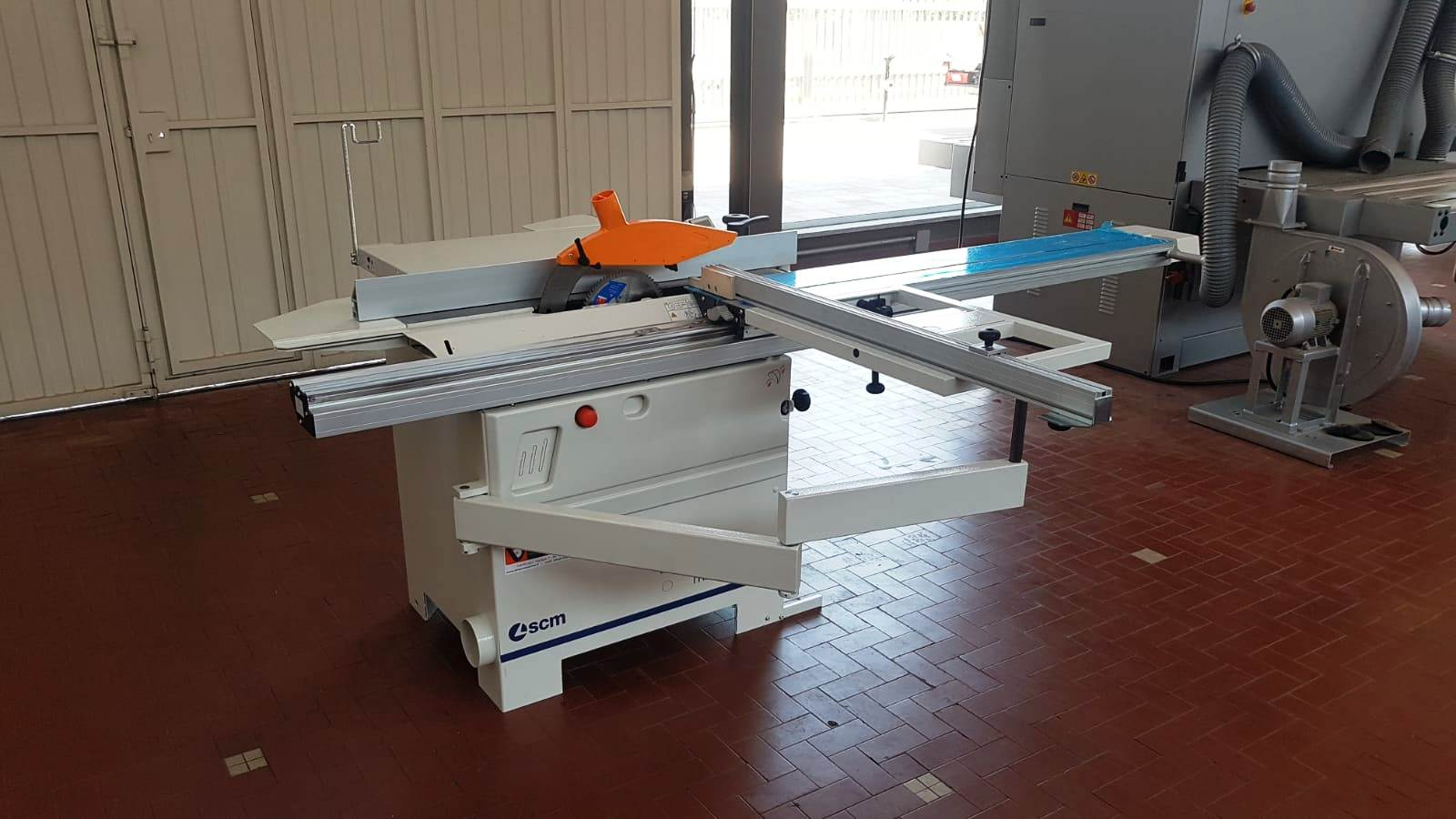 SLIDING TABLE SAW with tilting blade MINIMAX SC 2C new